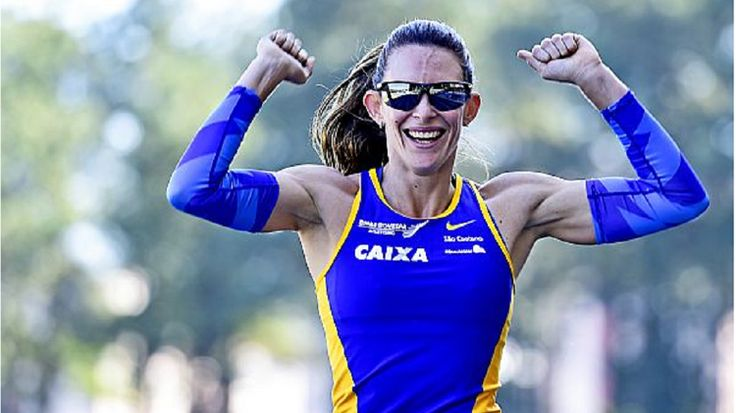 Fabiana Murer quebra recorde sul-americano e faz melhor marca do ano