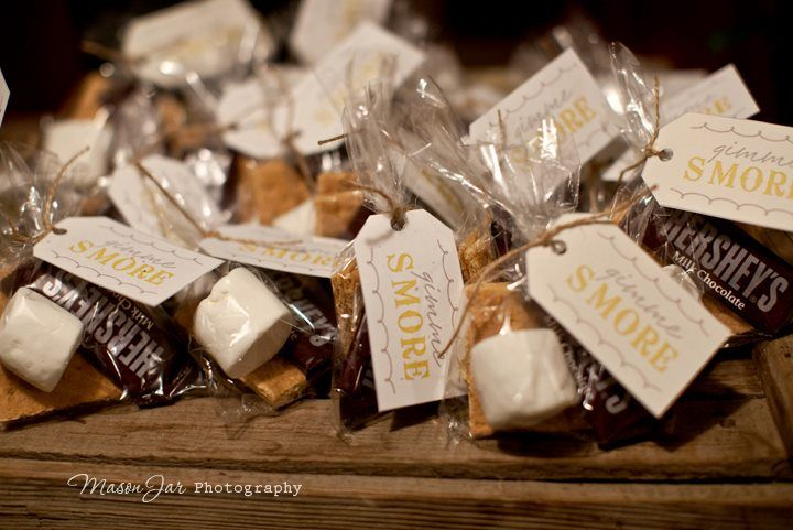 You paid more than me: Woodsy Baby Shower. Cute woodsy desserts.