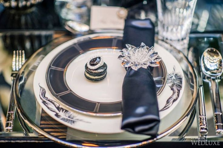 Black abd white table decoration #ring#plates