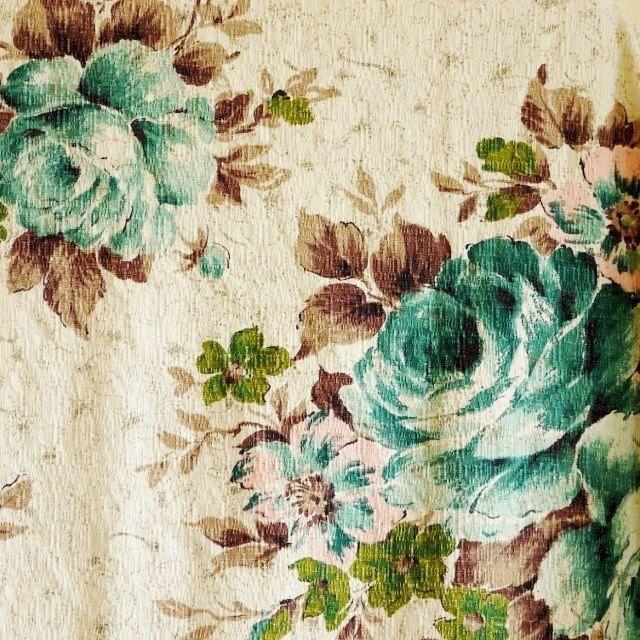 vintage barkclothPink Roses, Vintage Barkcloth, Vintage Chic, Dogs Sewing, Fabrics Teal, Fabrics Vintage, Vintage Fabrics, Vintage Floral, Blue Rose