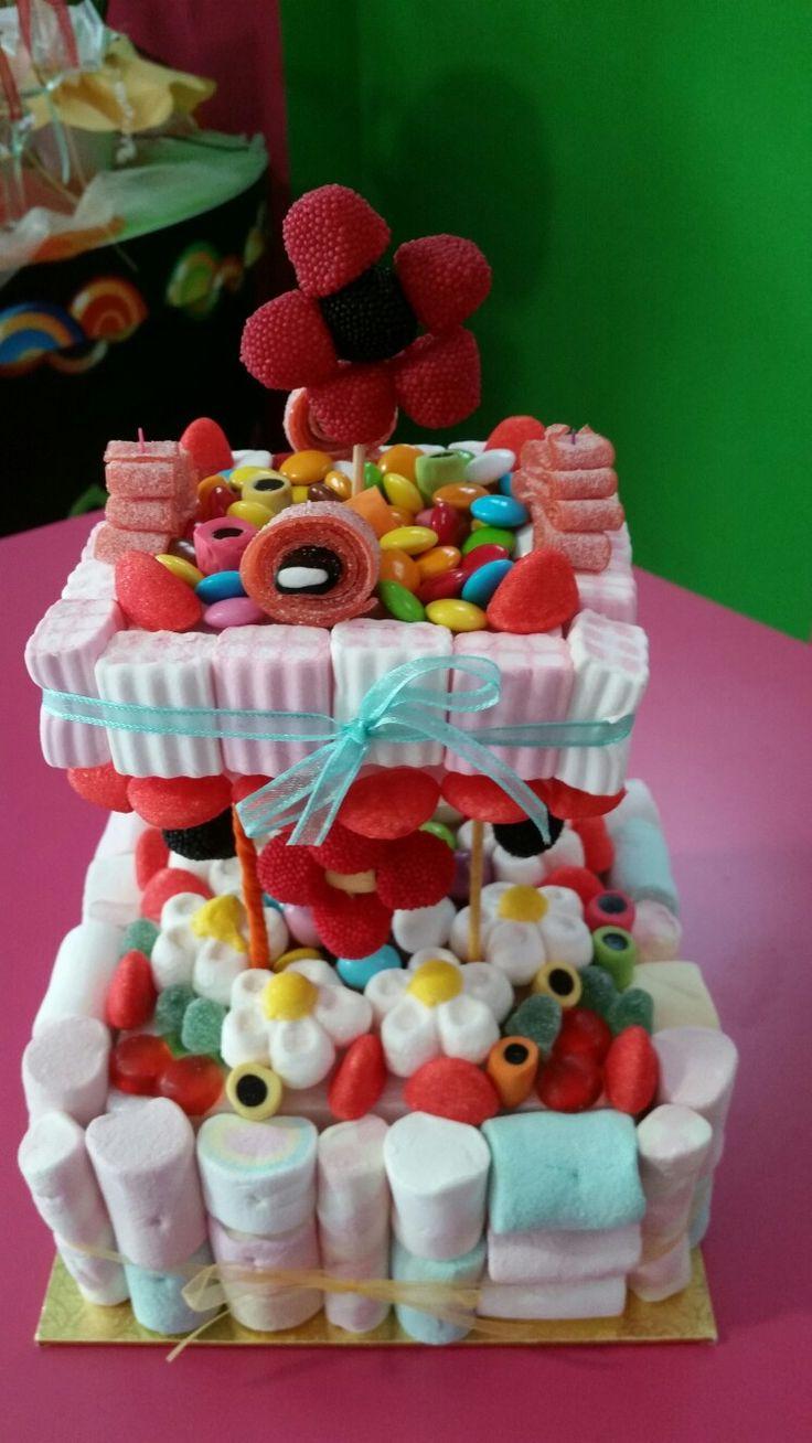 La mia prima torta a due piani per un anniversario di matrimonio
