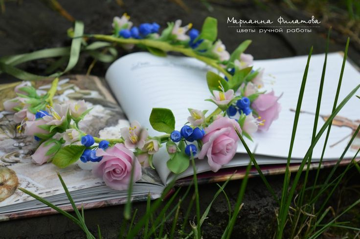 handmade flowers . cold porcelain.wreath