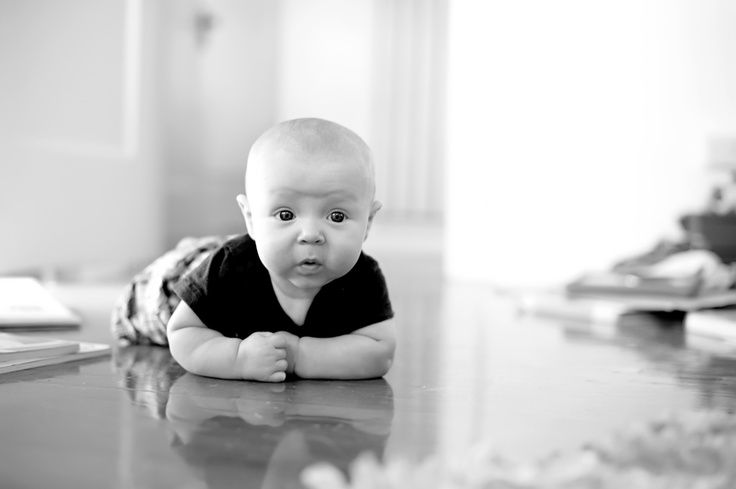 Lifestyle photography 4 month old baby