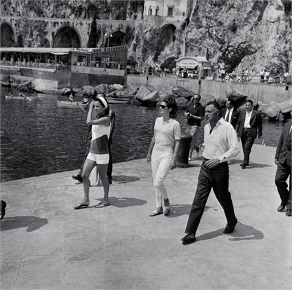 Jacqueline Kennedy, Lee Radziwill, Giovanni Agnelli   Amalfi, Italy, agosto 1962  © Bettmann/CORBIS