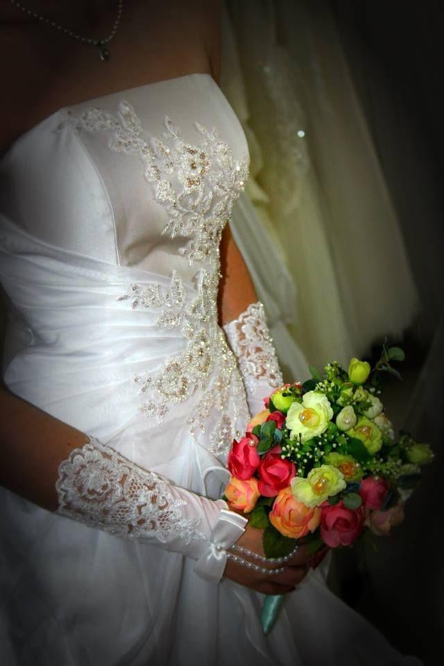 Egyik menyasszonyi ruhánk