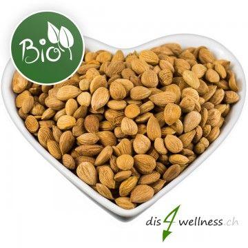 Bittere Aprikosenkerne enthalten viel Vitamin B17 und viele Mineralstoffe, Aminosäuren und andere wichtige Vitamine.    Bittere Aprikosenkerne können wie andere Nüsse roh verzehrt werden. Man kann sie aber auch zum Beispiel in dem Müsli mit beimischen.