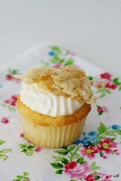 Bienenstich Cupcake
