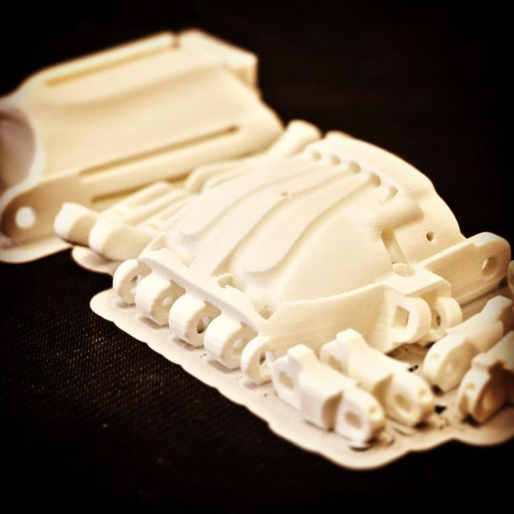 Prosthetic hand before assembly. #3dprinting #in #school #localmanufacturing #biodegradableplastic #futurethinking #futurereality #mobilegames #education #learnbydoing #startup #3dmodelling #3dtulostus #3dprinttaus #ops2016 #opetussuunnitelma #teachers #edtech #fun #easy #makers #makermovement #mechanical #prosthetichand #e-nable #raptor #reloaded