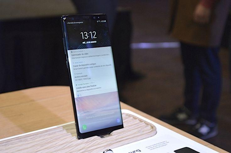 Columna de opinión que habla acerca de la innovación tecnológica que han tenido los smartphones a lo largo del tiempo, poniendo énfasis en el MWC 2018.
