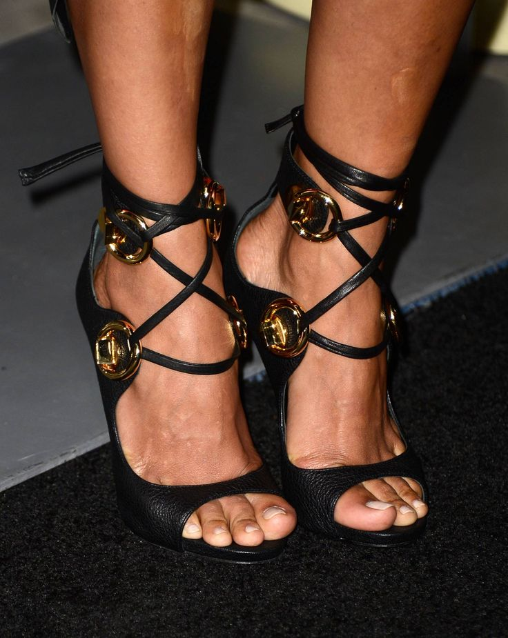 Halle Berry [Wikitoes]