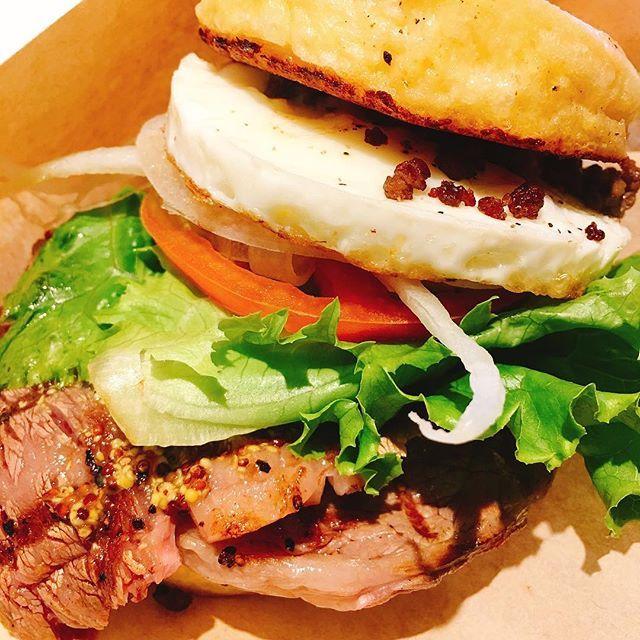 ちょっと高いけどステーキは柔らかく美味しかった! サラダもついてきてお得かも FRENCH STEAK BURGER プレーン1,350円  #sapling #渋谷カフェ #渋谷ハンバーガー #渋谷グルメ #渋谷ランチ #ハンバーガー #フレンチバーガー #美味しい #ステーキ #肉 #東京グルメ #東京ハンバーガー #フレンチステーキバーガー #tokyogroumet #humbuerger #steak frenchsteakburger #burger #instagood #instafood #instagram