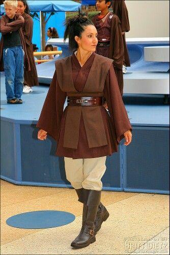 Female Jedi Knight Jedi Training Academy, Disneyland Resort. My Halloween 2016 costume Inspiration.