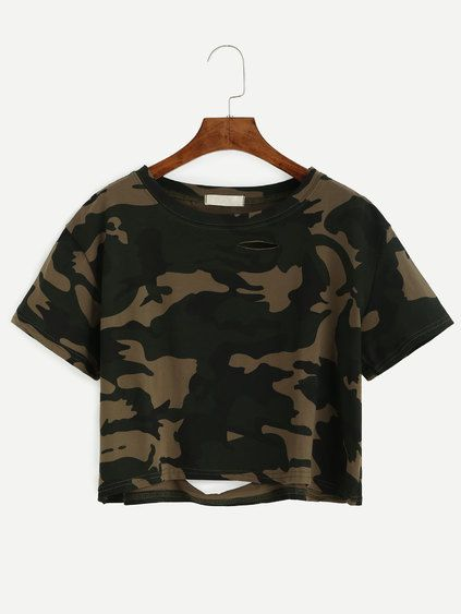 Camiseta corta con roturas estampado camuflaje
