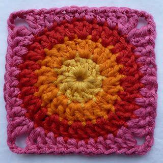 Op de site van Redheart zag ik een leuke gehaakte deken, gemaakt van vierkantjes. Ik heb het patroon van het vierkantje in het Nederlan...