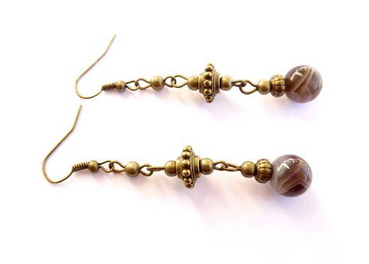 Örhängen med pärlor av botswana agat