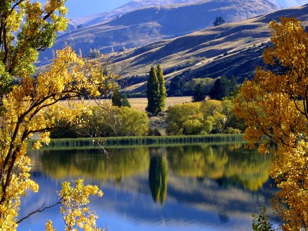 Autumn Lake Hayes Queenstown