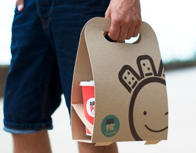"""Take away packaging for """"arepas""""  targeted a young audience that has little time but wants to eat well._Photography by: Carlos Arturo Rodríguez© Master in Packaging Design ELISAVA. Barcelona, 2014."""