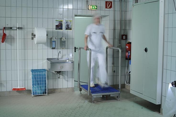 Step Gate - śluzy higieniczne do mycia i dezynfekcji obuwia