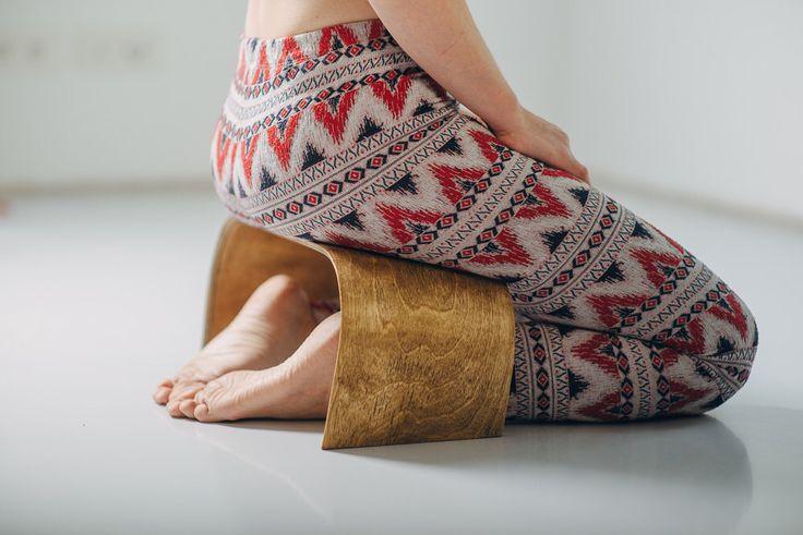 Hand Crafted Meditation Bench - ZenWork. Light Wood by ZenWorkPlace on Etsy https://www.etsy.com/se-en/listing/247826338/hand-crafted-meditation-bench-zenwork