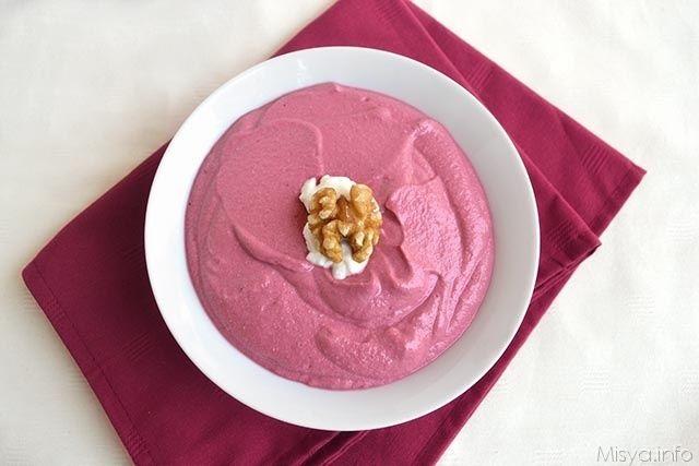 Crema alle barbabietole, scopri la ricetta: http://www.misya.info/2014/10/10/crema-alle-barbabietole.htm