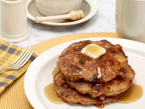 Rachael's Oatmeal Cookie Pancakes  #RecipeOfTheDay: Oatmeal Cookies, Food Network, Breakfast Ideas, Pancakes Recipe, Oatmeal Pancakes, Families Breakfast, Cookies Pancakes, Foodnetwork, Breakfast Recipe
