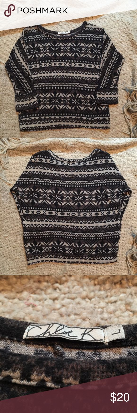 Chloe K Aztec Tribal Sweater Chloe K Aztec Tribal Sweater! 3/4 sleeve with rolled cuffs. From a clean smoke and animal free home. Open to offers! Chloe K Sweaters Crew & Scoop Necks