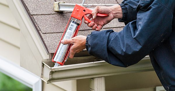 3 Of The Best Ways To Seal Gutter Seams And Find Best Gutter Sealant Of 2019 Gutters Gutter Diy Gutters