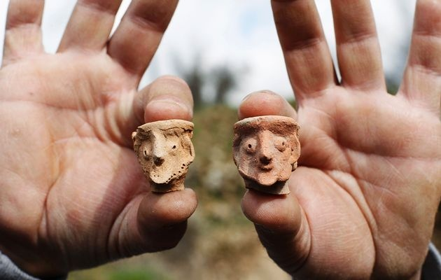 Israeli archaeologists have uncovered a rare temple and religious figurines dating back to the Judaean period nearly 3 000 years ago, Israel's Antiquities Authority said.