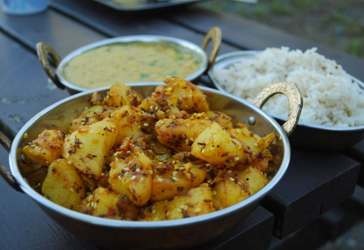 - Aloo Jeera Poteter- den herligste indiske potetretten - Indian Cumin Spiced Potatoes - top favourite in potato dishes