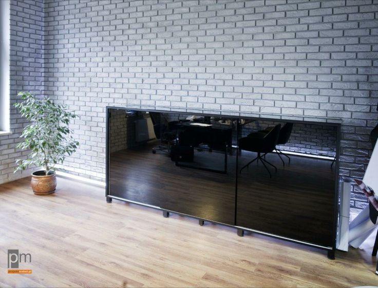 Szkło lacobel na froncie komody  http://www.projektmebel.pl/scianki-i-przegrody