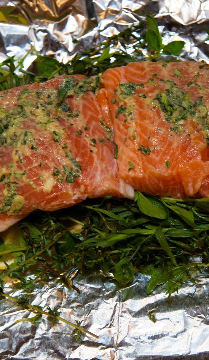 Foil is the ultimate secret weapon when it comes to cooking while camping: little has to be doneto throw together something tasty, and clean...