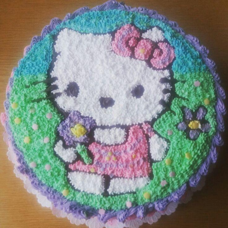 Hello Kitty-s Feketeerdő