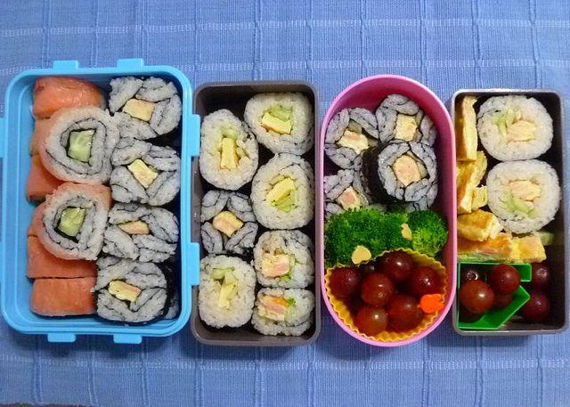 Bento #1: inside-out smoked salmon pattern sushi