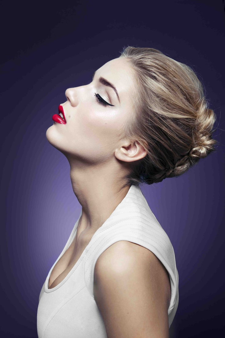 Fresh Glamour - Selected by Lene Orvik in collaboration with Yves Rocher