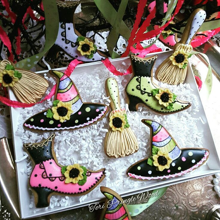 halloween cookies witch hats brooms and boits - How To Decorate Halloween Cookies