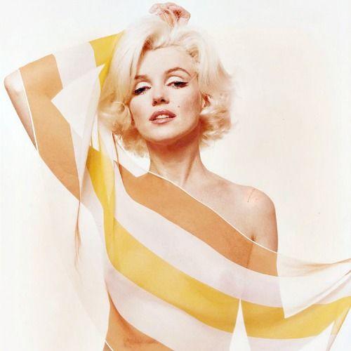 23/06/1962 Orange Striped Scarf par Bert Stern - Divine Marilyn Monroe