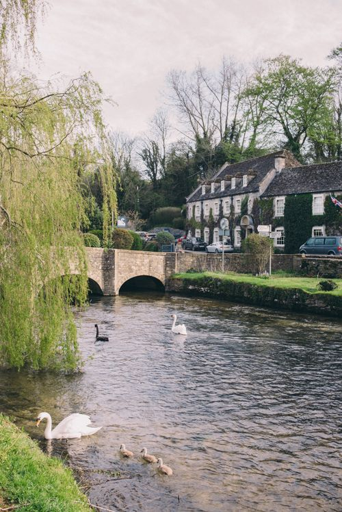 Gal Meets Glam Morning In Bibury - swans by the Swan hotel