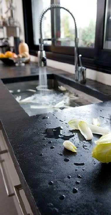Béton ciré sur carrelage de plan de travail de cuisine