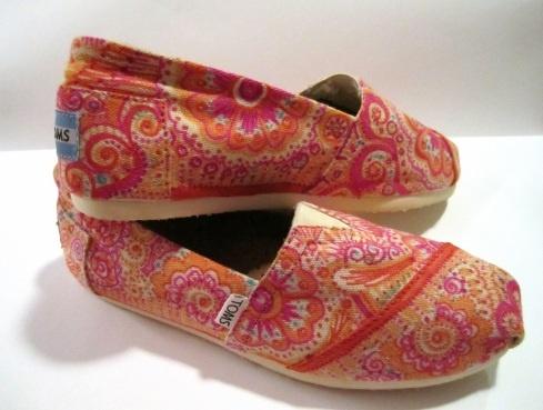 toms and sharpies. love it!: Sharpie Toms, Toms Written, Gosh Shoes, Toms Shoes, Love It, Shoes Oh, Nordstrom Toms, Sharpie Shoes, Decoration Toms