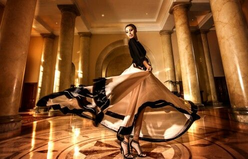 12 meters skirt with  black linen top by ZARTH. ... elegant!