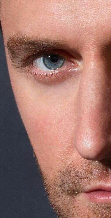 ~Heavy breathing~ Richard Armitage, stunning! Photo: Robert Ascroft, 23-11-2012 (Hobbit Promo)