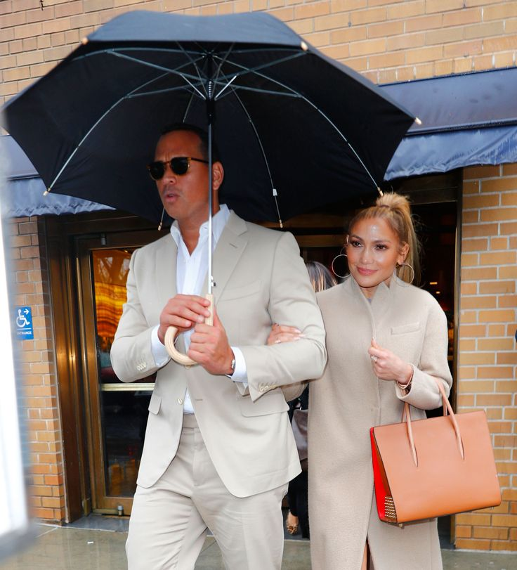 Why Jennifer Lopez is OK with J-ROD - Why Jennifer Lopez and Alex Rodriguez don't mind being called 'J-Rod,' plus more news