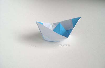 oragami boat - step by step picture instructiosns