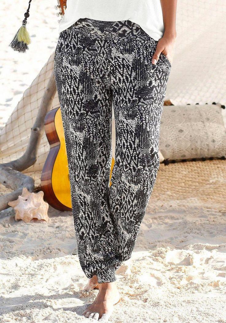 Buffalo London Strandhose ab 39,99€. Modischer Alloverdruck, Breiter Bund mit Smok hinten, Mit seitlichen Eingrifftaschen, Smokbund am Beinabschluss bei OTTO