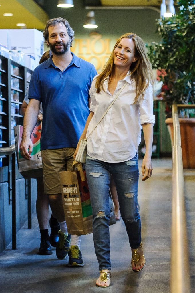 Judd Apatow Photos: Leslie Mann and Judd Apatow Out at Whole Foods