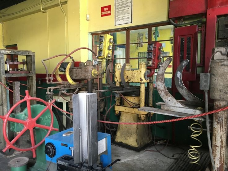 ジャマイカ・キングストン :  タフ・ゴングスタジオ内のレコード工場