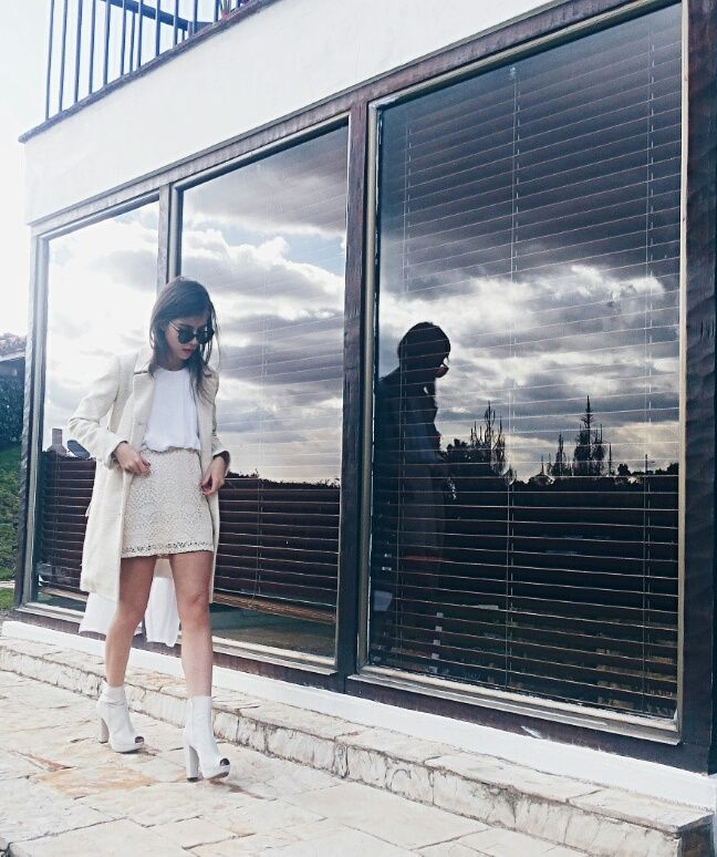 """Instagram @angelalzm  Find more ootd`s at OOTD  in the menu, section """"fashion"""".  Encuentra mas outfits del día en OOTD en el menu, sección """"fashion"""".  #fashion #streetstyle #style #ootd #inspiration #allwhite #ideas #outfits #2017 #fashionista #moda #blogger #fashionblogger"""