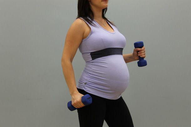 Après plusieurs demandes voici enfin des exercices dédiés aux femmes enceintes qui souhaitent maintenir la forme tout en s'entraînant de façon sécuritaire. Dans cette optique, il serait préférable de les faire en position assise ou de vous assurer d'être stable pendant leur exécution afin d'éviter une chute. Je vous propose quelques exercices de tonification musculaire.…