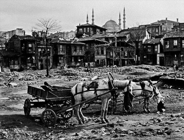Ara Güler-in siyah beyaz İstanbul-u