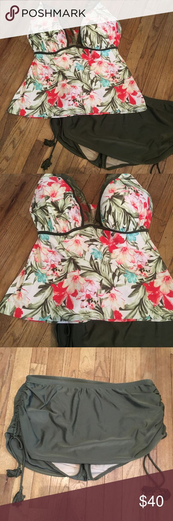 NWOT Lane Bryant swimsuit. 40G/18 Great swimsuit never worn .  Tropical print top with underwire cups.  Bottom has skirt overlay with touching strings on side .  Top is 40G bottoms are 18 Lane Bryant Swim